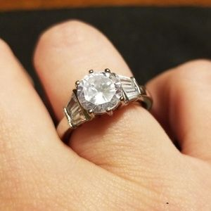 CZ ring with sizer